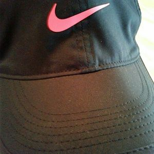 "NIKE ""FeatherLight Dry-Fit"" NWT Athletic Hat"